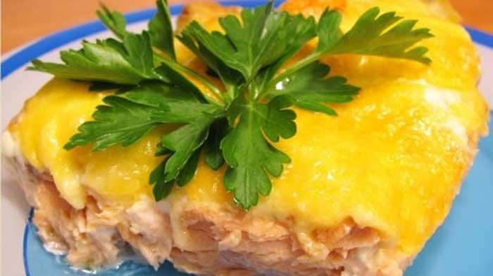 Горбуша, запечённая с сыром