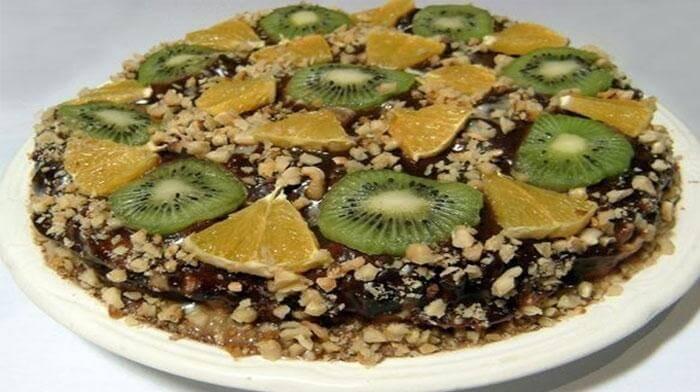 Десерт из пряников со свежими фруктами