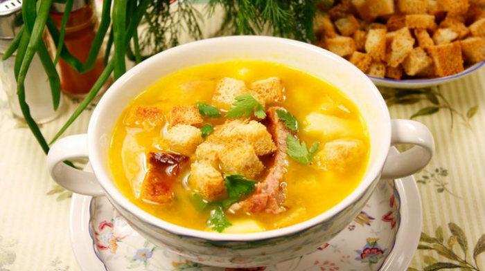 Сырный суп с копчёностями