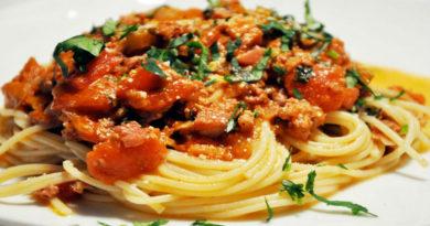 """Спагетти с соусом """"Болоньезе"""" по-новому"""