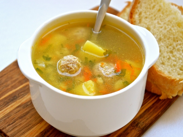 Куриный суп — топ-5 рецептов диетических супчиков