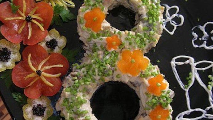 Праздничный салат к женскому дню 8 Марта