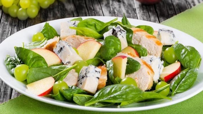 Салат с виноградом и сыром — как готовить в домашних условиях