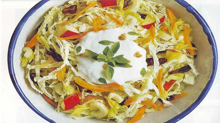 салат из капусты с орехами