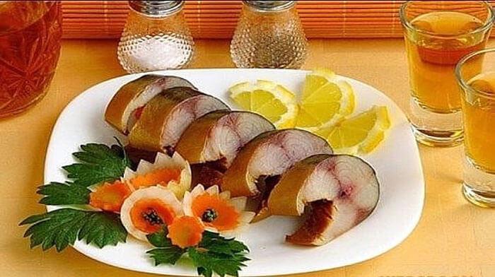 Закуски из скумбрии или селедки - Скумбрия в изумительном маринаде