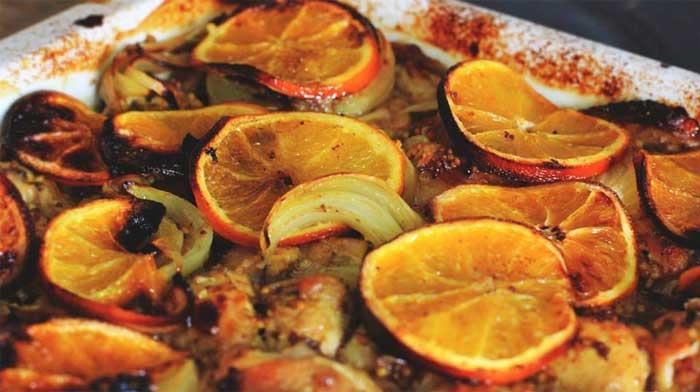 Цыпленок, запеченный в маринаде с апельсинами