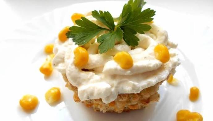Закусочные кексы с сыром и кукурузой